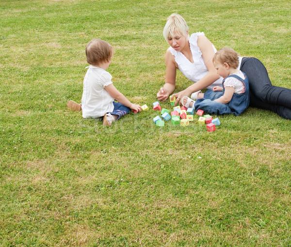 Foto stock: Família · sessão · grama · jogar · brinquedos · feliz