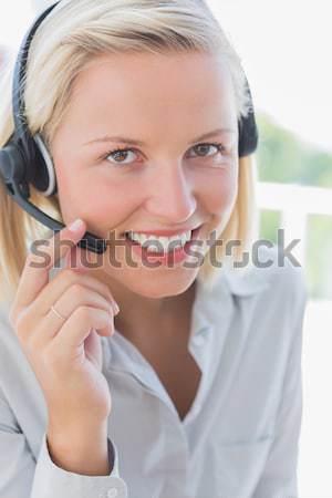Portré üzletasszony készít telefonbeszélgetés iroda telefon Stock fotó © wavebreak_media