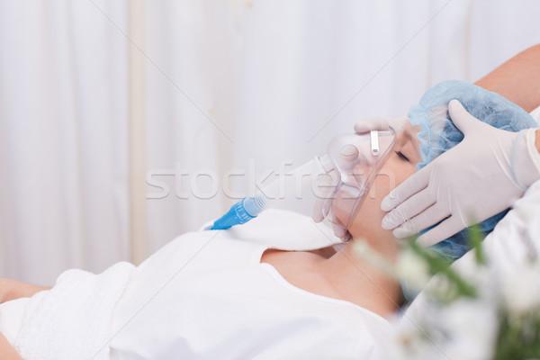 Fiatal nő műtét egészség ágy alszik medikus Stock fotó © wavebreak_media