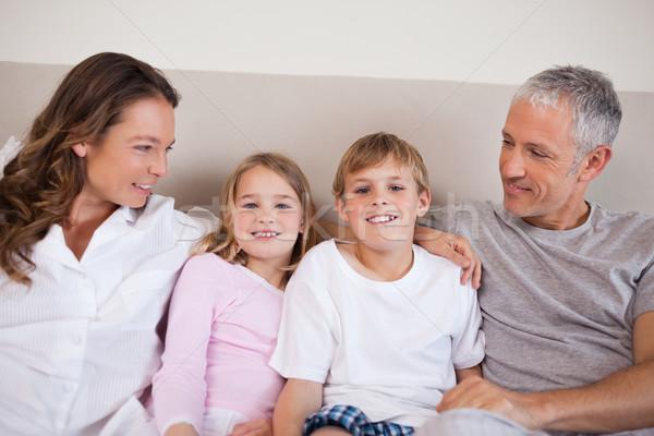 Сток-фото: красивый · семьи · кровать · утра · домой · девочек