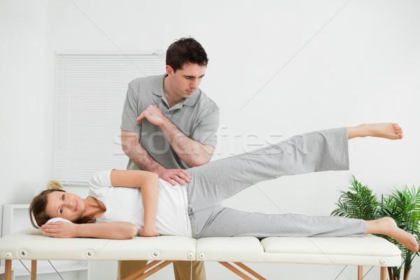 医師 肘 ヒップ 女性 脚 ストックフォト © wavebreak_media