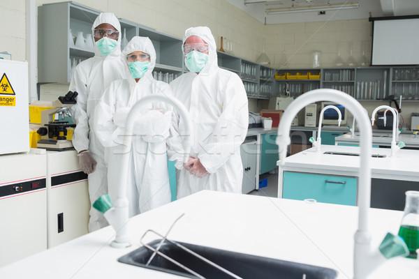 üç laboratuvar ayakta laboratuvar takım kadın Stok fotoğraf © wavebreak_media