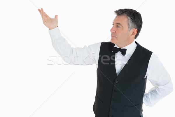 Man tonen iets lucht hand gelukkig Stockfoto © wavebreak_media