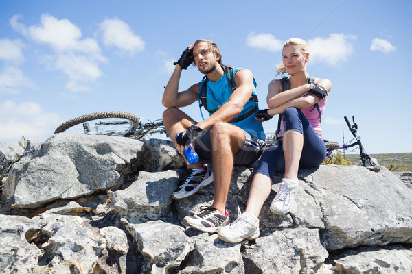 S'adapter cycliste couple pause pic Photo stock © wavebreak_media