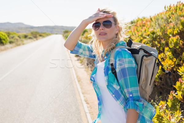 привлекательный блондинка походов сельский дороги Сток-фото © wavebreak_media