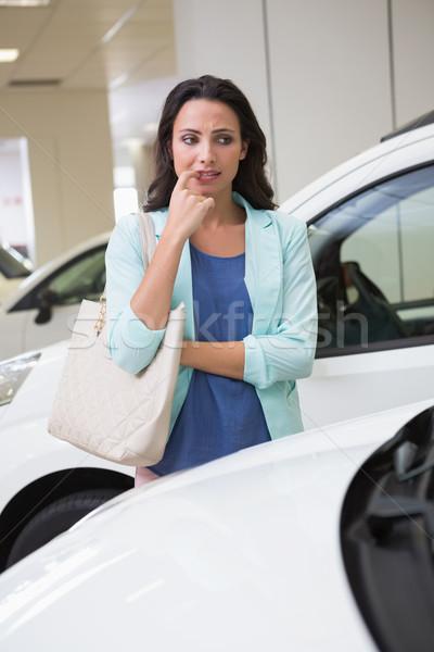 Csinos vásárló gondolkodik vásárol autó új autó Stock fotó © wavebreak_media
