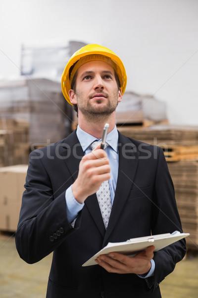 Stock foto: Halle · Manager · tragen · Schutzhelm · Bestandsaufnahme · Mann