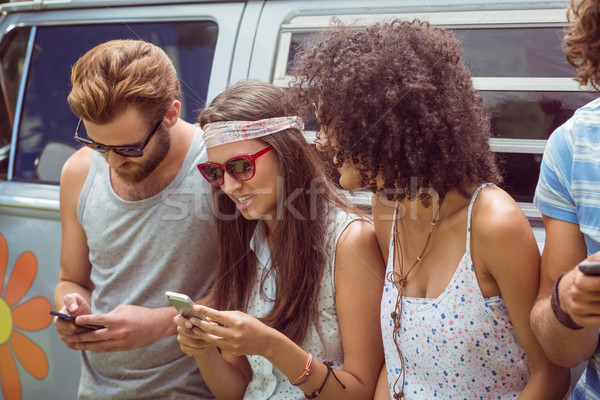 Znajomych telefony samochodu telefonu człowiek Zdjęcia stock © wavebreak_media