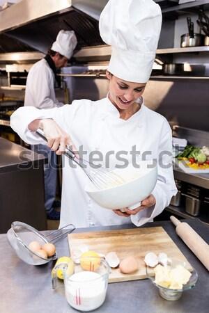Szakács ételt készít kereskedelmi konyha étterem étel Stock fotó © wavebreak_media