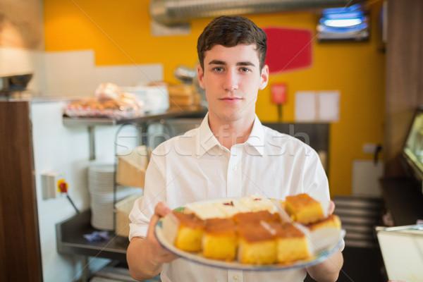 Férfi munkás sütemények pékség portré áll Stock fotó © wavebreak_media