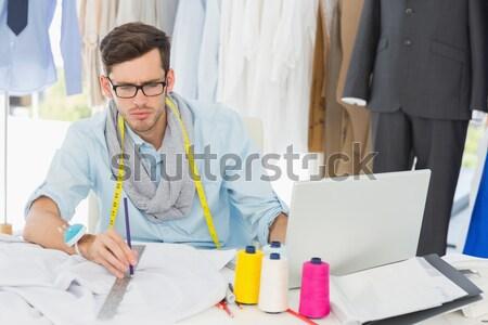 Női divat designer néz rajz otthon Stock fotó © wavebreak_media