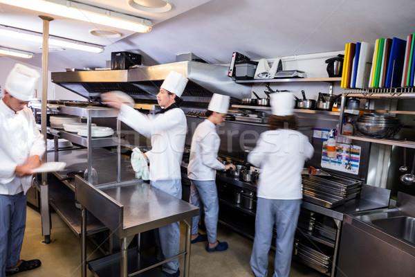 Equipo chefs cocina restaurante alimentos Foto stock © wavebreak_media