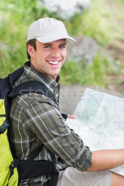 Portre uzun yürüyüşe çıkan kimse harita kaya görmek Stok fotoğraf © wavebreak_media