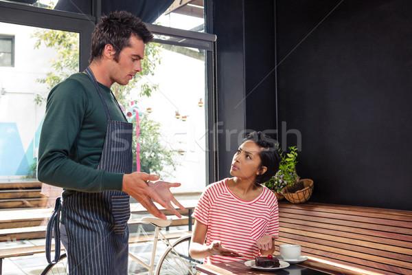 Nézeteltérés pincér vásárló kávéház étel férfi Stock fotó © wavebreak_media