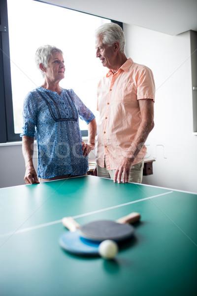 Paar achter ping pong tabel pensioen Stockfoto © wavebreak_media