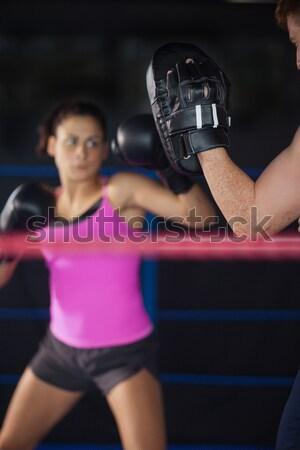 Vrouwelijke bokser bokshandschoenen fitness studio Stockfoto © wavebreak_media