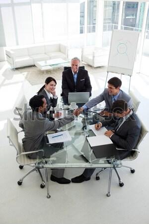 Işadamı belge kıdemli müdür toplantı Stok fotoğraf © wavebreak_media