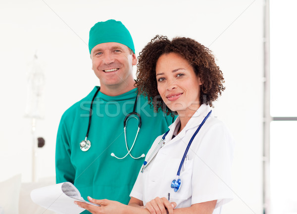 портрет врач хирург больницу вместе женщину Сток-фото © wavebreak_media