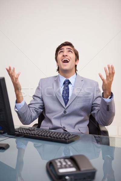 Giovani imprenditore urlando fuori forte lavoro Foto d'archivio © wavebreak_media