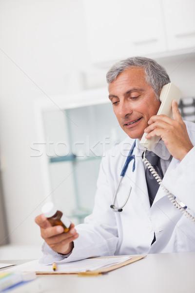 врач наркотиков окна телефон медицинской Сток-фото © wavebreak_media