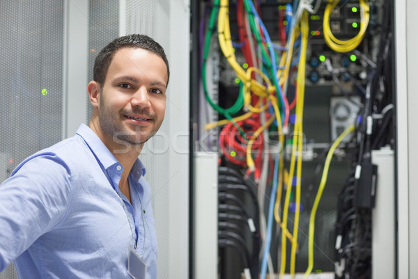 улыбаясь техник Постоянный данные магазине сеть Сток-фото © wavebreak_media