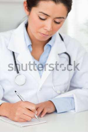 Lächelnd Arzt Aufnahme Blutdruck Büro Krankenhaus Stock foto © wavebreak_media