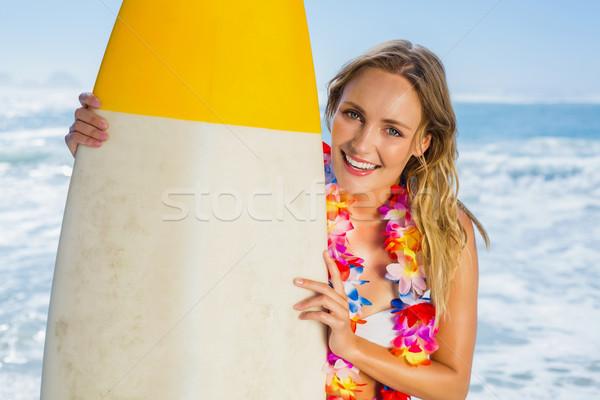 Sonriendo surfista blanco bikini guirnalda Foto stock © wavebreak_media