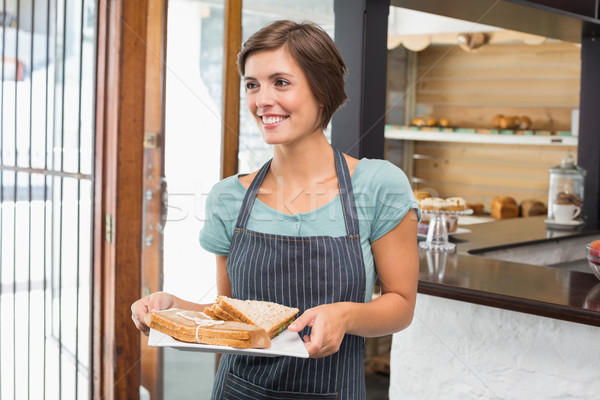 Bella cameriera piatto alimentare coffee shop Foto d'archivio © wavebreak_media