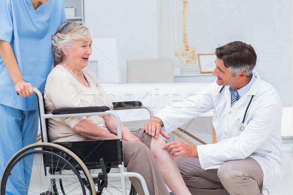 Medico senior ginocchio maschio ortopedico Foto d'archivio © wavebreak_media