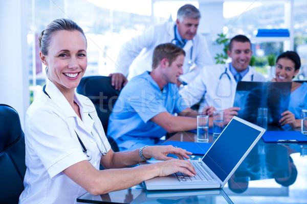 медсестры улыбаясь камеры компьютер служба человека Сток-фото © wavebreak_media