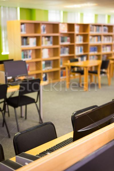 Vazio prateleiras para livros faculdade biblioteca livro escolas Foto stock © wavebreak_media