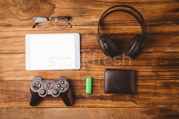 Tablet müzik kulaklık sonraki joystick usb Stok fotoğraf © wavebreak_media