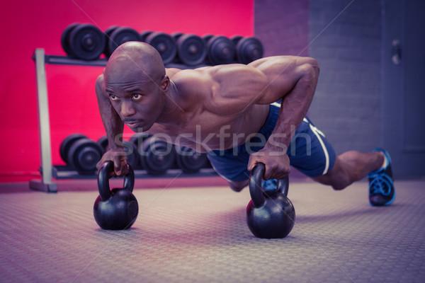 Izmos férfi fekvőtámasz egészség tornaterem klub Stock fotó © wavebreak_media