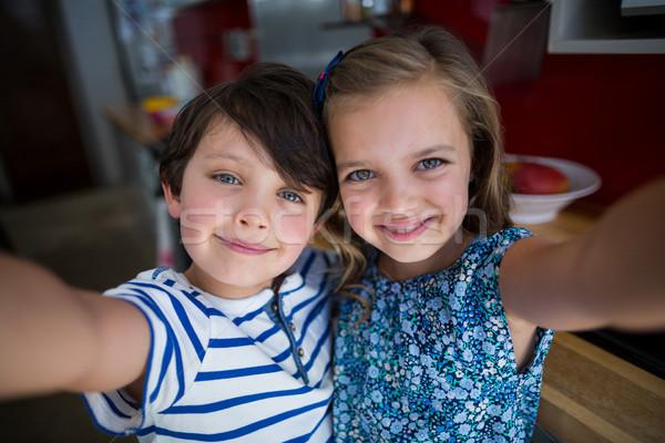 Broers en zussen keuken home meisje kind Stockfoto © wavebreak_media