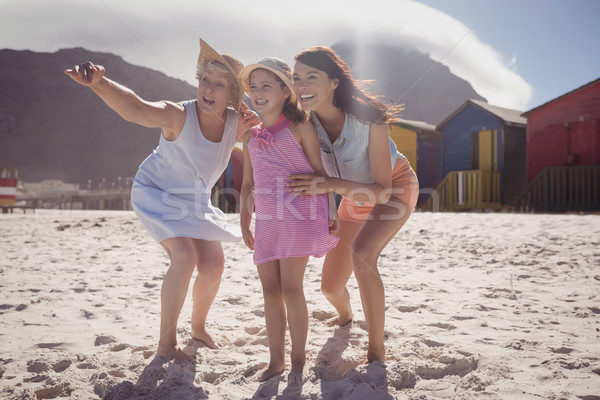 счастливым семьи пляж женщину Сток-фото © wavebreak_media