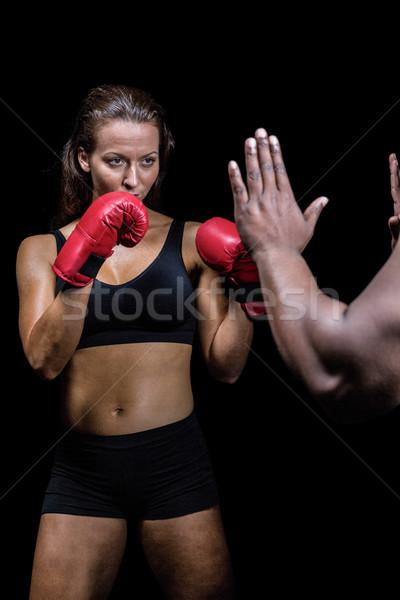 Kobiet bokser postawa trener strony Zdjęcia stock © wavebreak_media