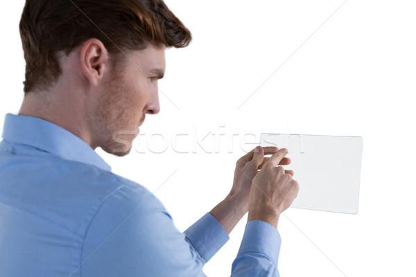 Mężczyzna wykonawczej szkła cyfrowe tabletka biały Zdjęcia stock © wavebreak_media