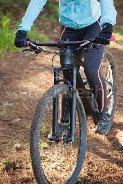 Foto stock: Feminino · montanha · equitação · bicicleta · floresta