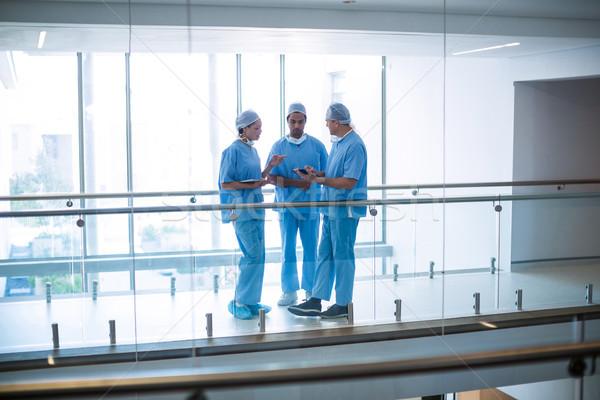 команда хирурги цифровой таблетка больницу Сток-фото © wavebreak_media