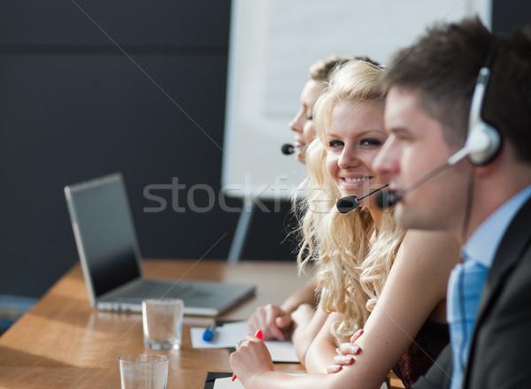 Equipe de negócios call center negócio reunião empresário fones de ouvido Foto stock © wavebreak_media