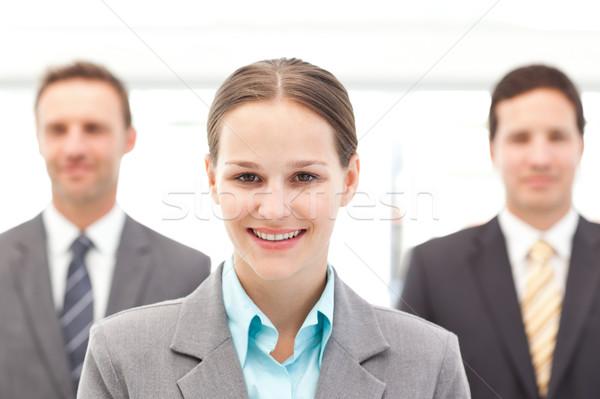 Vrolijk zakenvrouw permanente twee zakenlieden werk Stockfoto © wavebreak_media