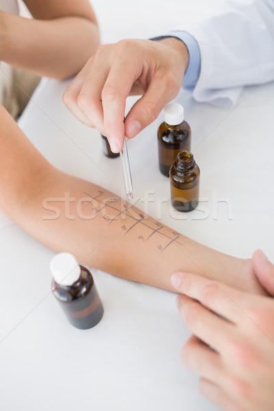 Médico medicina mão mulher clínica Foto stock © wavebreak_media