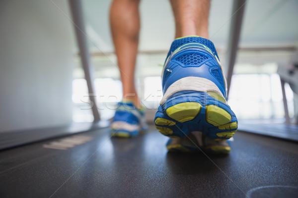 Alacsony részleg férfi fut futópad hátsó nézet Stock fotó © wavebreak_media