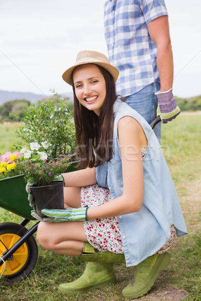 Heureux jardinage ensemble femme Photo stock © wavebreak_media