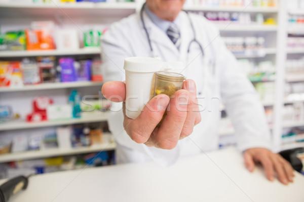 Farmaceuta strony apteki szczęśliwy medycznych Zdjęcia stock © wavebreak_media