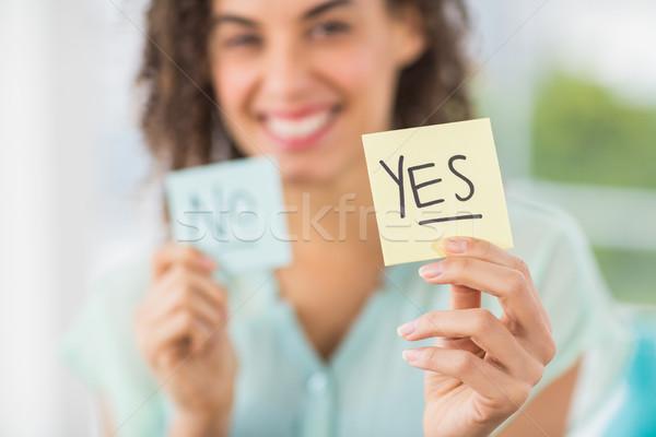 Sonriendo mujer de negocios sí no retrato Foto stock © wavebreak_media