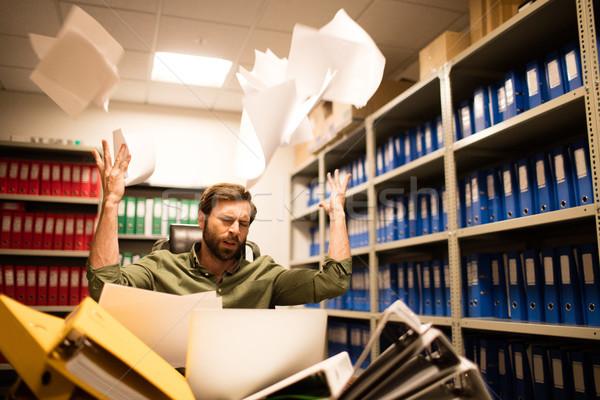 Irritato imprenditore giornali file Foto d'archivio © wavebreak_media
