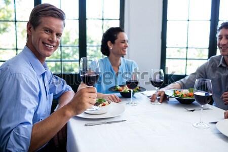 étel felszolgált tányér pár pirít borospoharak Stock fotó © wavebreak_media