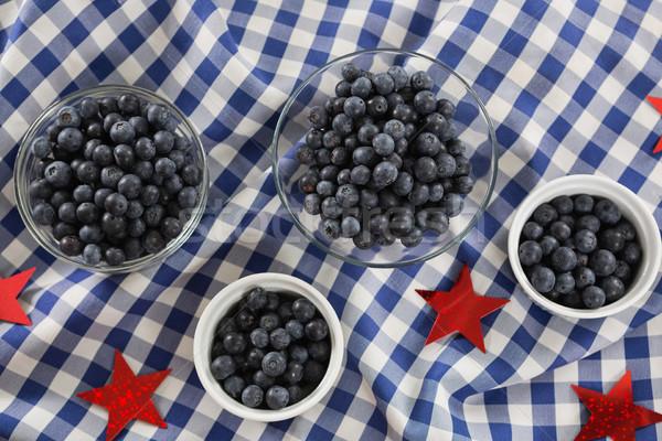 Fekete bogyók tálak negyedike fa asztal gyümölcs Stock fotó © wavebreak_media