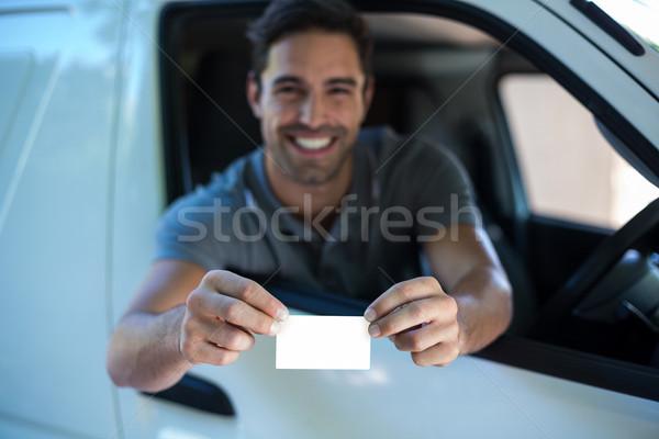 Glimlachend bestuurder man tonen lege kaart portret Stockfoto © wavebreak_media